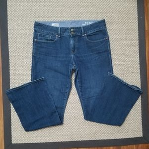 GAP Perfect Boot Jeans With Stretch EUC!